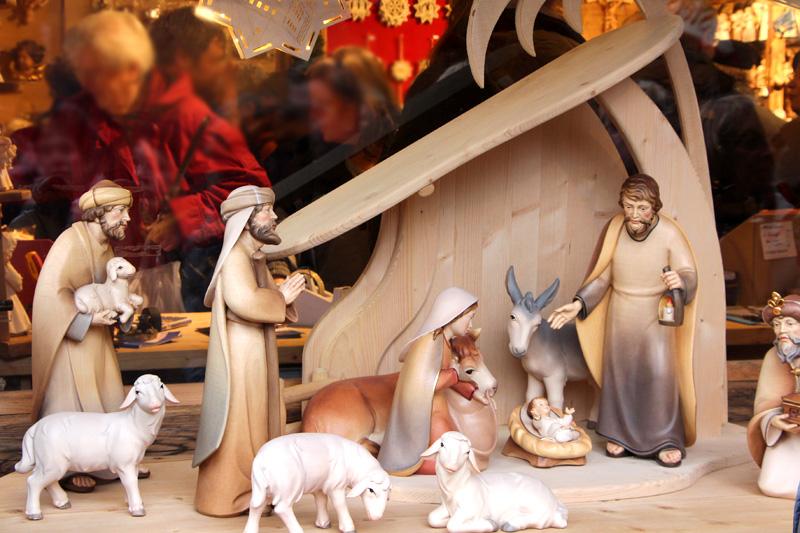 131130-3-Weihnachtsmarkt-Do-Krippe-und-Kurioses-kl